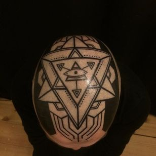 Blackwork scalp tattoo by Gerhard Wiesbeck @gerhardwiesbeck #blackwork #gerhardwiesbeck