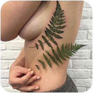 Lovely live leaf fern tattoo by Rita @rit.kit #tattoodo #liveleaftattoo #fern #ritkit