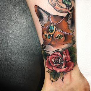 Fox Tattoo by Daryl Watson #fox #neotraditional #neotraditionalartist #contemporary #stylish #bold #DarylWatson