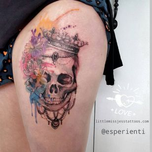 Watercolor skull and flower tattoo by Jess Hannigan #JessHannigan #flowers #watercolor #skull
