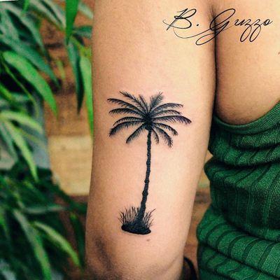 #BrunaGuzzo #DiaDaMulher #8demarço #TatuadorasDoBrasil #girlpower #brasil #brazil #brazilianartist #praia #beach #arvore #tree