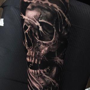 Skull tattoo by Miroslavart #miroslavart #coveruptattoos #skull #blackandgrey #realism #realistic #hyperrealism #bones #death #teath #smoke #barbedwire #ghost #tattoooftheday