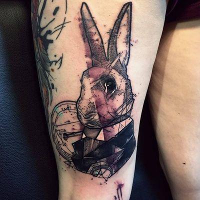 Siga o coelho #BobMosquito #grafic #grafico #realismo #realism #geometrica #geometric #pontilhismo #dotwork #aquarela #watercolor #animal #pet #petlovers #coelho #rabbit #relogio #clock #time #hora