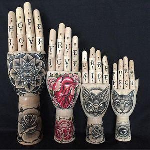 Wooden hands by Kirsten Roodbergen (via IG-inkspired) #woodslices #woodenhands #tattooinspired #flashart #artshare #fineartist #KirstenRoodbergen