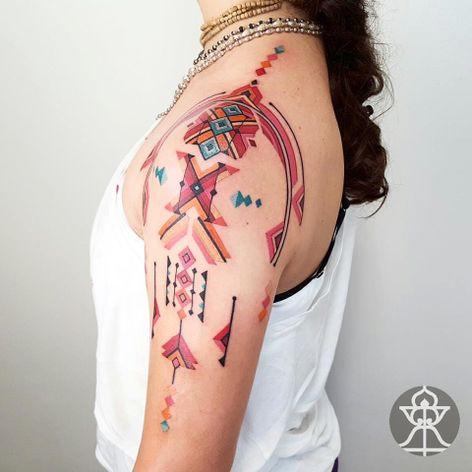 Muitas Cores! #BrianGomes #TatuadoresdoBrasil #Brasil #Brazil #tribalbrasileiro #geometria #arteindígena