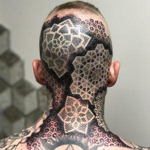 Cabeça cheia de padrões #CoryFerguson #gringo #pontilhismo #geometrica #geometric #abstrato #abstract #pontilhismo #dotwork #blackwork #mandala #padrao #pattern