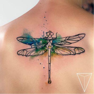 Feita por Miss Pank #MissPank #libelula #libelulatattoo #dragonfly #dragonflytattoo #inseto #bug #watercolor #aquarela #pontilhismo #dotwork