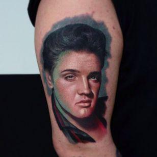 Insane looking portrait tattoo of The King , Elvis Presley by Karol Rybakowski #portrait #TheKing #ElvisPresley #KarolRybakowski