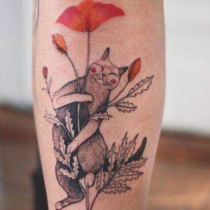 Happy kitty tattoo by Joanna Swirska #JoannaSwirska #DzoLama #besttattoos #color #illustrative #linework #dotwork #cat #kitty #flowers #leaves #nature #animal #petportrait #happy #cute #tattoooftheday