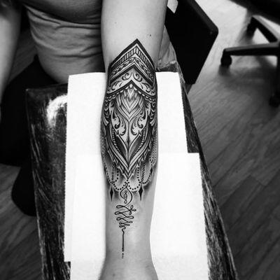A striking ornamental piece with an Unalome at its base by Brad Reis (IG—bradreis_tattoo). #blackwork #BradReis #ornamental #Unalome