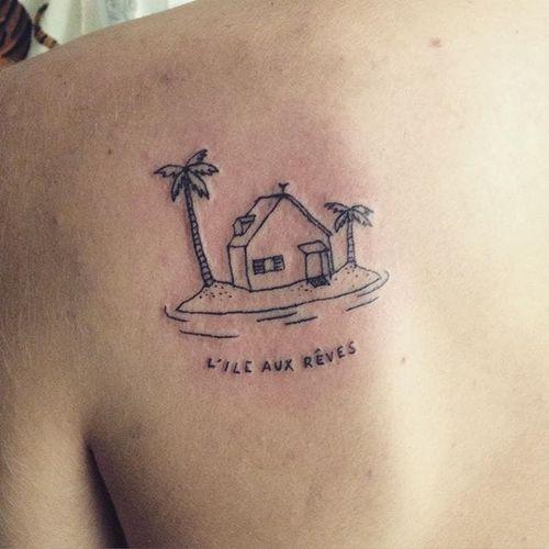 Hand-poked tattoo by Anna Wanda Gogusey #desertisland #AnnaWandaGogusey #handpoked #minimalistic