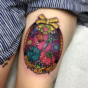 Sewing themed thigh piece by Roberto Euán. #cute #kawaii #colorful #RobertoEuán #sewing #artsandcrafts #art #craft #scissors #needle #thread #knitting #frame