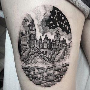 Hogwarts by Suflanda #suflanda #hogwarts #harrypotter #wizard #castle #blackwork #dotwork #tattoooftheday