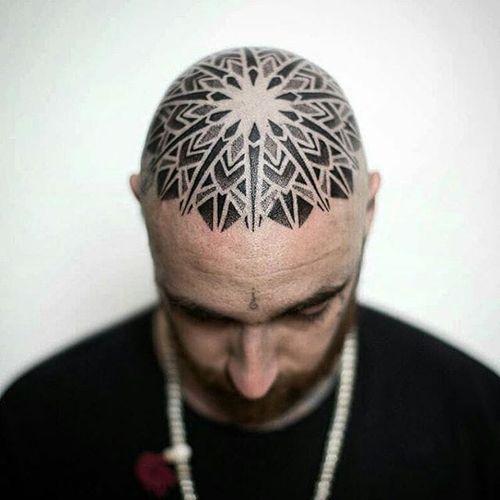 Blackwork Geometric Tattoo by Melow Perez #geometric #head #scalp #blackwork #blackink #blackworkhead #jobstopper #boldwillhold #MelowPerez