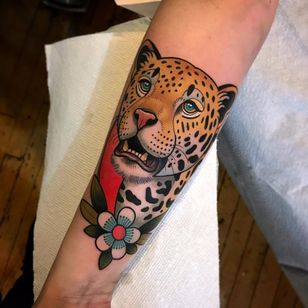 Leopard by Dave Wah #DaveWah #color #newschool #newtraditional #neotraditional #leopard #daisy #flower #leaves #nature #junglecat #cat #linework #tattoooftheday