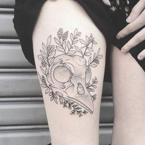 Bird skull tattoo by Lilly Anchor. #fineline #bird #skull #birdskull #dotshade #dotshading