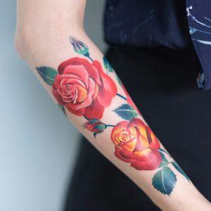 Roses by Zihee #Zihee #realism #realistic #hyperrealism #color #roses #flowers #leaves #nature #leaves #tattoooftheday