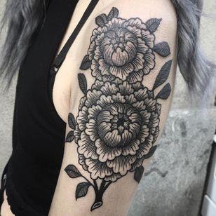 Dark florals by Jack Ankersen (via IG-jack_ankersen) #illustrative #black #linework #floral #flowers #JackAnkersen