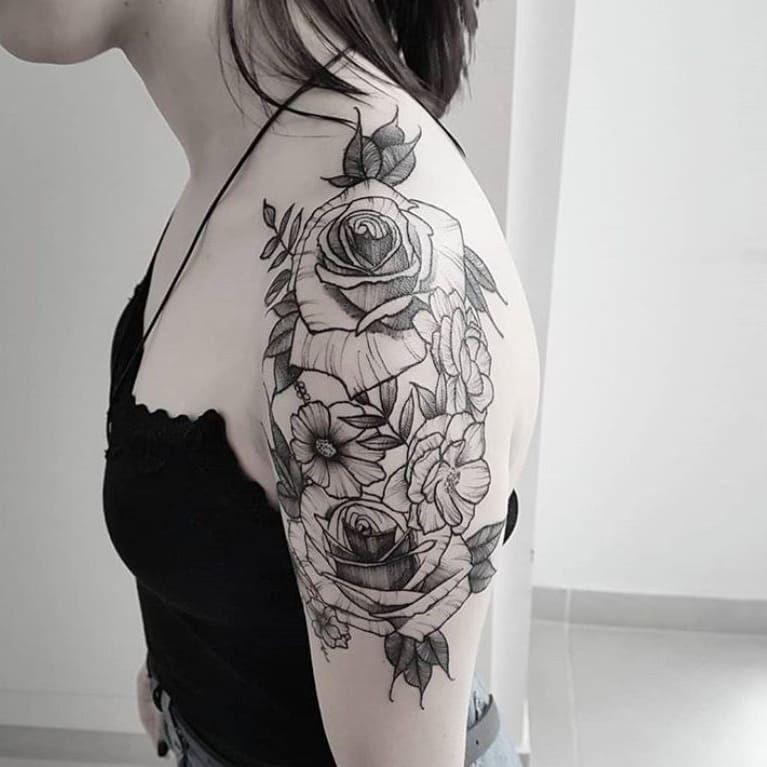 #ViniciusScalfone #brasil #brazil #brazilianartist #tatuadoresdobrasil #sketch #blackwork #flor #flower #rosa #rose #botanica #botanical #pontilhismo #dotwork