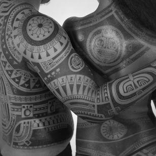 Tribal designs, Photo: Anapa Production #PatuMamatui #polynesiantattoo #tribaltattoo #tribal #polynesian