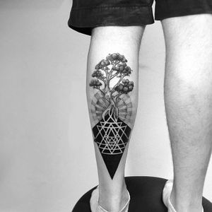 Tree of life, geometric tattoo by Daniel Matsumoto @Daaamn_ #DanielMatsumoto #Black #Blackwork #Linework #Linear #Geometric #Nature #Japan #TreeofLife #Treetattoo