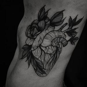 Blackwork tattoo by Felipe Kross. #FelipeKross #blackwork #dotwork #anatomicalheart