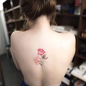 Simply beautiful. (Via Instagram ilwolhongdam) #hongdam #tinytattoo #perfectplacement #flowers #rose #watercolor #lily