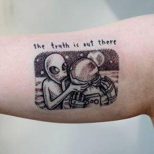 Astronaut tattoo by Sven Eigengrau. #astronaut #space #alien #dotwork