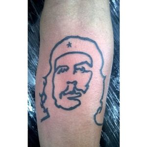The anarchist portrait with outlines by Marcos Lima #CheGuevara #Anarchist #portrait #portraittattoo #historic #linework #MarcosLima