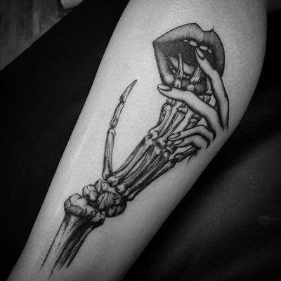 Skeletal by Talley Matthew (via IG-talleymatthew) #blackandgrey #finelined #flora #fauna #TalleyMatthew