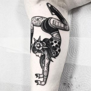Lady tattoo by Dani Queipo #DaniQueipo #ladytattoo #blackandgrey #lady #traditional #flower #pinup #polkadots #acrobat #dancer #snake #ship #anchor #heart #spiderweb #leaves #tattoooftheday