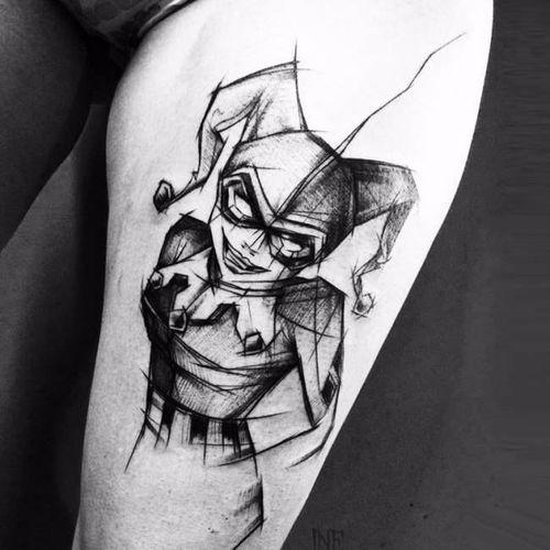 Arlequina em sketch style #InneTattoo #GothamCitySirens #SereiasDeGotham #harleyquinn #arlequina #dc #comic #cartoon #movie #filme #heroes #villains #badgirls #girlpower #sketchstyle #sketch #estilorascunho