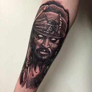 Jack Sparrow by Anrijs Strum (via IG-anrijsstraume) #jacksparrow #realism #dark #portrait #blackandgrey #anrijsstraume