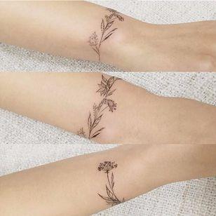 Delicate flower bracelet tattoo by tattooist_flower #flower #bracelet #delicate #linework #blackwork #fineline