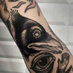 Raven Tattoo by Alessandro Micci #raven #blackwork #blackworkartist #blackink #blackworker #AlessandroMicci