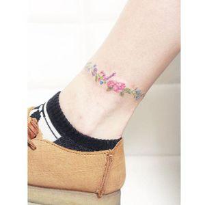 More Floral Anklets by Mini Lau (via IG-hktattoo_mini) #feminine #flower #microtattoo #soft #delicate #mini #MiniLau