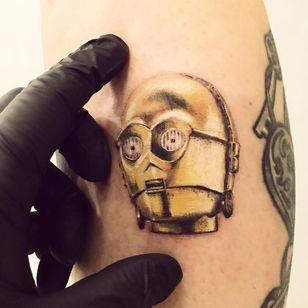 #ChiquinhoGomes #brasil #brazil #brazilianartist #tatuadoresdobrasil #delicate #delicada #colorido #colorful #c3po #robo #robot #starwars #movie #filme #nerd #geek