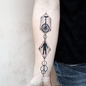 Mysterious geometric tattoo #MatteoNangeroni #geometrictattoo