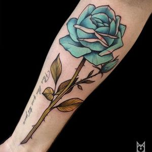Blue Rose Tattoo by Morgane Jeane #bluerose #bluerosetattoo #contemporarytattoos #delicatetattoo #moderntattoo #colorful #colorfultattoo #bestattoos #frenchtattoo #MorganeJeane