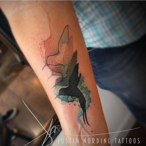 A trippy sequence of hummingbird silhouettes by Justin Nordine (IG—justinnordinetattoos). #hummingbird #JustinNordine #silhouette #watercolor