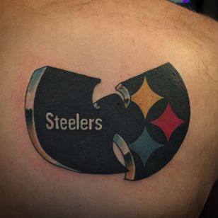 The Pittsburgh Steelers ain't nothin' to fuck with. (Via IG - doubledeeztat2s)