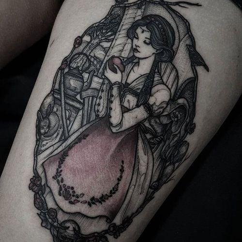 Snow White tattoo by Felipe Kross. #FelipeKross #snowwhite #disney #disneyprincess #princess #fairytale