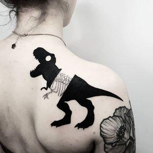 #MatteoNangeroni #gringo #blackwork #surrealism #surrealismo #dinossauro #dinosaur #osso #bones #esqueleto #skeleton