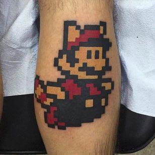 8-bit Mario by Justin Stephan (via IG -- justinstephandesigns) #justinstephan #mario #8bittattoo
