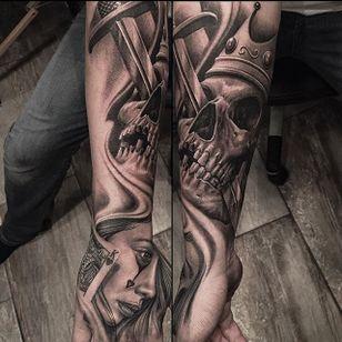Skull by Greg Nicholson (via IG-evilkolors) #blackandgrey #fineline #realism #gregnicholson