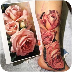 Luka Lajoie nailed it with this rose piece via @lukelajoie #LukaLajoie #floral #roses #realism
