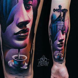 Trabalho de A.D. Pancho #ADPancho #gringo #woman #mulher #realism #realismo #surrealismo #surrealism #maquina #machine