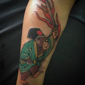 Awesome samurai monkey with a flaming sword. Clean and vibrant work by Luciano Vazquez. #LucianoVazquez #JapaneseStyle #irezumi #japanesetattoo #monkey #zaru