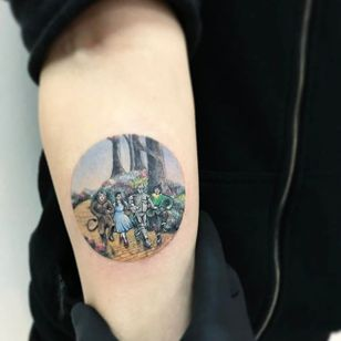 We're Off To See The Wizard by Eva Krbdk (via IG-evakrbdk) #tinytattoo #color #microtattoo #scenery #movies #landscapes #evakrbdk