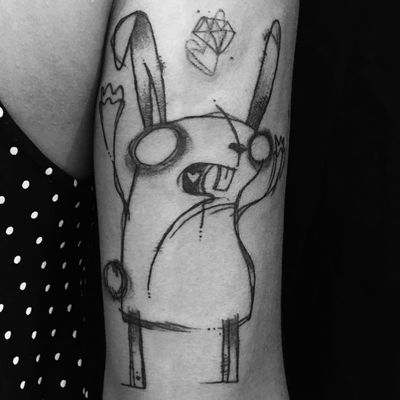 Por Rafo Castro! #RafoCastro #tatuadoresbrasileiros #cartoon #cartoontattoo #coelho #coelhotattoo #rabbit #rabbittattoo